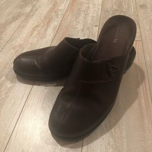 Clarks flamingo mules brown leather size 10
